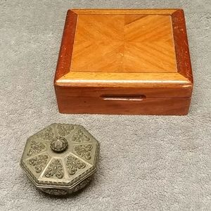 Set of two rustic vintage jewelry boxes